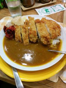 札幌駅近くのカレーハウス「コロンボ」のカツカレー.ライスは小で十分.マインドインタラクションのミーティング@北大の昼食は,いつもここ.